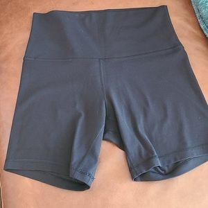 "Lululemon Naked sensation biker shorts 6"""